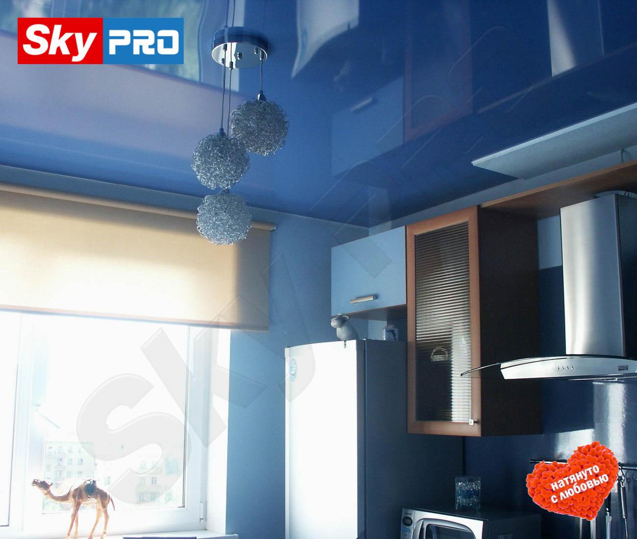 Цветной глянцевый натяжной потолок Классик цена за метр