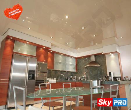Как выбрать натяжной потолок на кухню